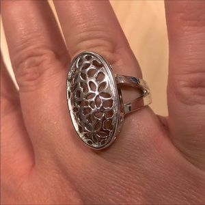 Silver Laser Cut Floral Ring size 6/7